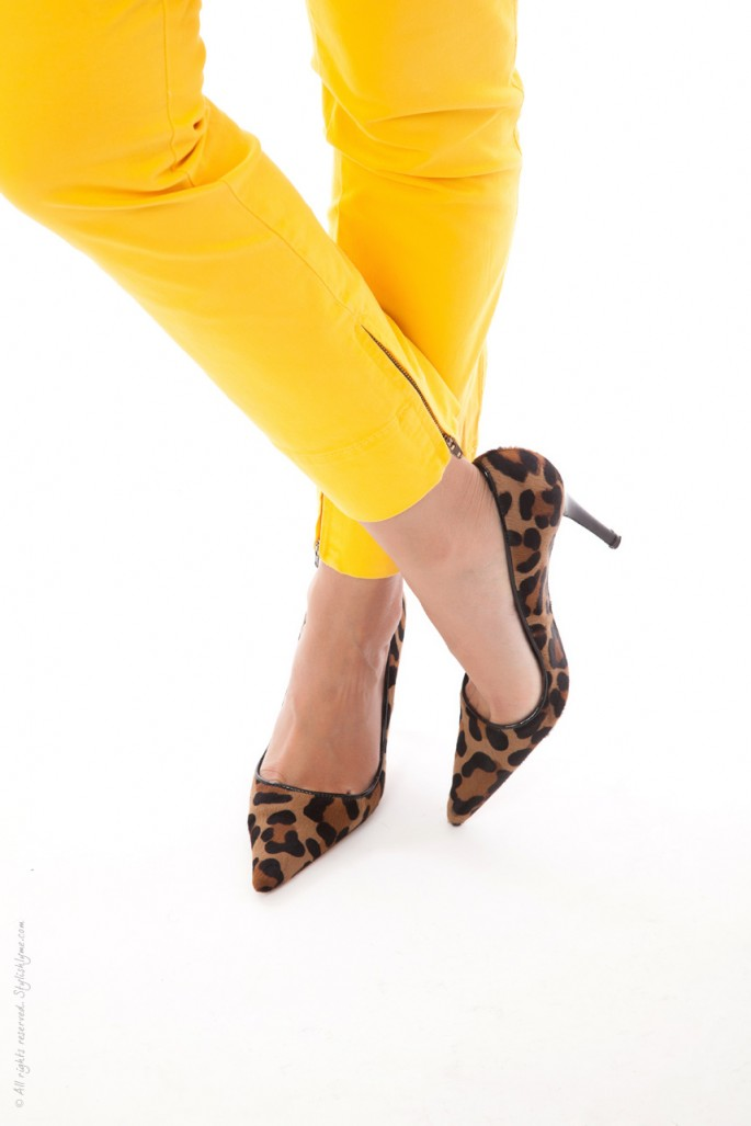 LeopardHeelsandYellowPants
